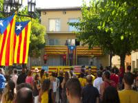 Gerard Bas, representat del consistori a l'ACM, va recollir els compromisos de suport a la Consulta del 9N // Imatge del web de l'Ajuntament de Castellbisbal