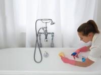 Como limpiar una bañera, consejos // Imatge Xavier Cadalso